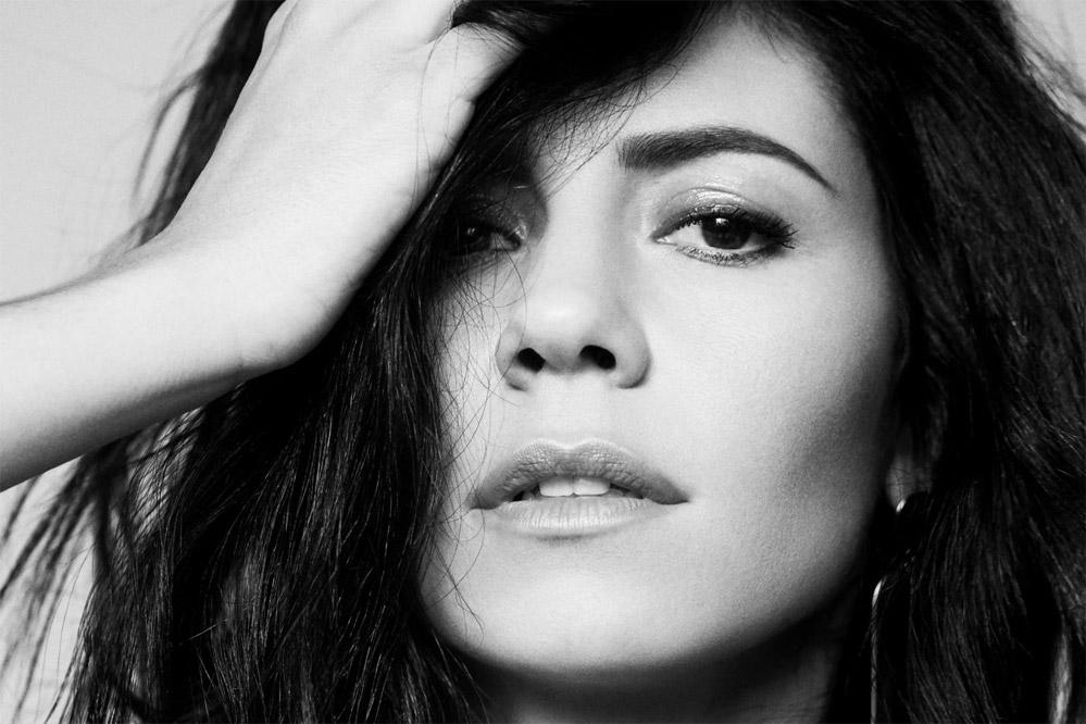 Marina: Superstar - перевод песни
